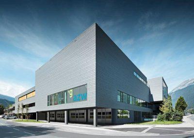Centro-educativo-a-Insbruck--Sidings_doghe-grigio-chiaro-duesse-coperture-02